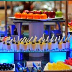 Отель Crowne Plaza Abu Dhabi гостиничный бар