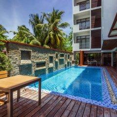 Отель Plumeria Maldives бассейн