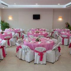 Отель Las Flores Beach Resort фото 2