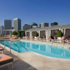Отель The Peninsula Beverly Hills бассейн
