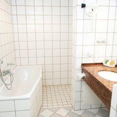 Отель Best Western Knudsens Gaard Оденсе ванная