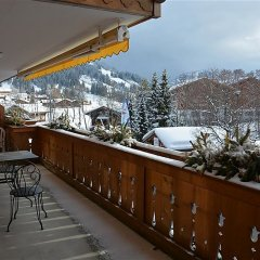 Отель Hahnenkamm - Three Bedroom Швейцария, Шёнрид - отзывы, цены и фото номеров - забронировать отель Hahnenkamm - Three Bedroom онлайн балкон