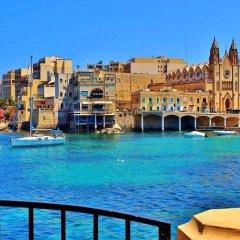 Отель Seafront LUX APT IN Fort Cambridge Мальта, Слима - отзывы, цены и фото номеров - забронировать отель Seafront LUX APT IN Fort Cambridge онлайн балкон