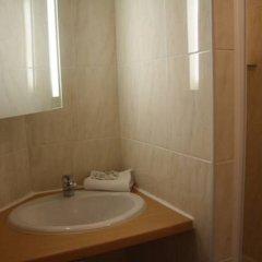 Отель Hôtel De Nice ванная