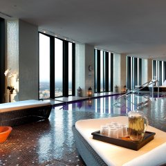 Отель Eurostars Madrid Tower Мадрид бассейн
