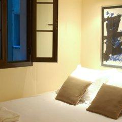 Отель AinB Las Ramblas-Guardia Apartments Испания, Барселона - 1 отзыв об отеле, цены и фото номеров - забронировать отель AinB Las Ramblas-Guardia Apartments онлайн комната для гостей фото 15