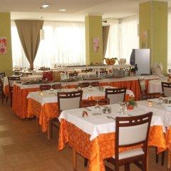 Hotel Sandra Римини питание