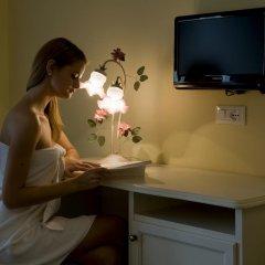 Hotel Borgo dei Poeti Wellness Resort Манерба-дель-Гарда удобства в номере фото 2