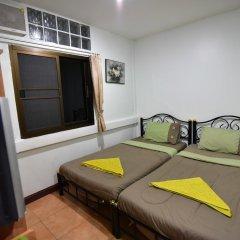 Отель Chaiwat Guesthouse комната для гостей фото 4