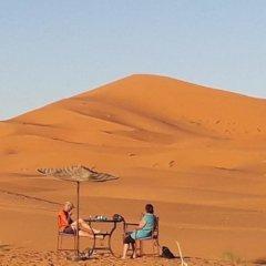 Отель Sahara Camp & Camel Trek Марокко, Мерзуга - отзывы, цены и фото номеров - забронировать отель Sahara Camp & Camel Trek онлайн приотельная территория