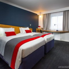 Отель Holiday Inn Express Glasgow City Centre Riverside комната для гостей
