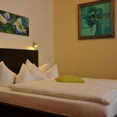 Отель Alexander Berlin Берлин комната для гостей