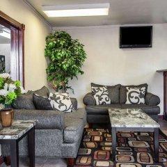 Отель Econo Lodge Saint Louis США, Сент-Луис - отзывы, цены и фото номеров - забронировать отель Econo Lodge Saint Louis онлайн интерьер отеля
