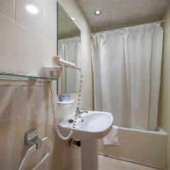 Отель La Carabela Испания, Курорт Росес - отзывы, цены и фото номеров - забронировать отель La Carabela онлайн ванная фото 2