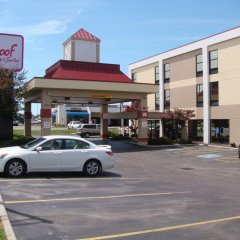 Отель Red Roof Inn & Suites Columbus - W. Broad парковка