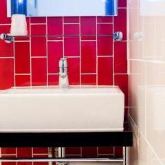 Отель The Wellington Hotel Великобритания, Лондон - 6 отзывов об отеле, цены и фото номеров - забронировать отель The Wellington Hotel онлайн ванная фото 4