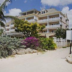 Отель Coral Sands Beach Resort пляж фото 2