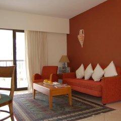 Отель Panareti Paphos Resort Кипр, Пафос - отзывы, цены и фото номеров - забронировать отель Panareti Paphos Resort онлайн комната для гостей