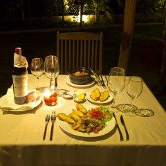 Отель Palm View Villa питание