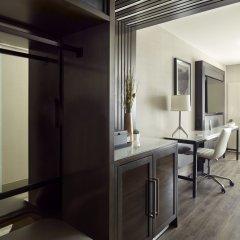 Отель Marriott Columbus University Area сейф в номере