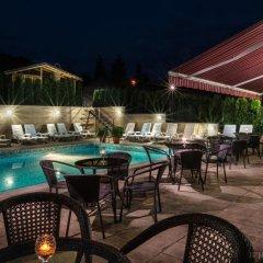 Enira Spa Hotel бассейн фото 3