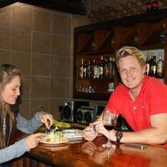 Отель Outeniquabosch Lodge гостиничный бар