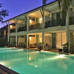 Отель Sarikantang Resort And Spa бассейн