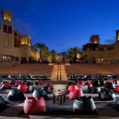 Отель Jumeirah Mina A Salam - Madinat Jumeirah ОАЭ, Дубай - 10 отзывов об отеле, цены и фото номеров - забронировать отель Jumeirah Mina A Salam - Madinat Jumeirah онлайн парковка