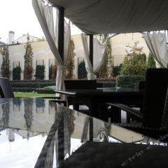 Отель Grand Visconti Palace Италия, Милан - 12 отзывов об отеле, цены и фото номеров - забронировать отель Grand Visconti Palace онлайн приотельная территория