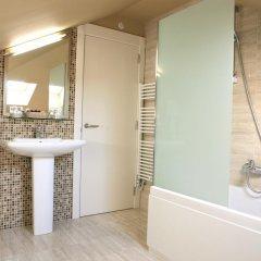 Отель Montedobra Испания, Торрелавега - отзывы, цены и фото номеров - забронировать отель Montedobra онлайн ванная