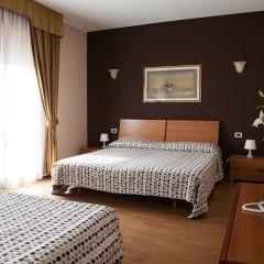 Hotel Master Альбиньязего комната для гостей