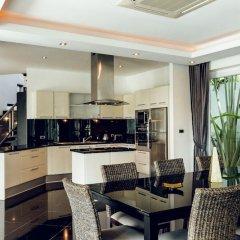 Отель Villas In Pattaya гостиничный бар