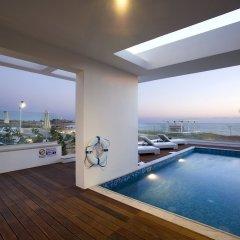 Отель Paradise Cove Luxurious Beach Villas Кипр, Пафос - отзывы, цены и фото номеров - забронировать отель Paradise Cove Luxurious Beach Villas онлайн бассейн фото 14