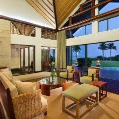 Отель Hilton Sanya Yalong Bay Resort & Spa интерьер отеля
