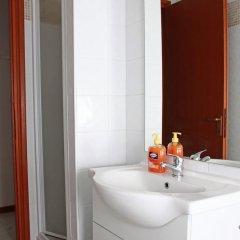 Отель Books Beds & Breakfast ванная фото 2