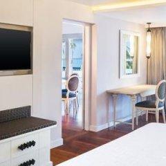 Отель Sheraton Samui Resort сейф в номере