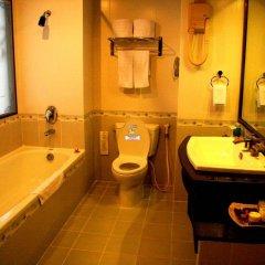 Отель Huong Giang Hotel Resort & Spa Вьетнам, Хюэ - 1 отзыв об отеле, цены и фото номеров - забронировать отель Huong Giang Hotel Resort & Spa онлайн ванная фото 2