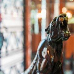 Отель Best Western Hôtel Mercedes Arc de Triomphe спортивное сооружение