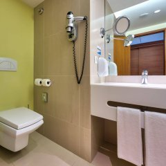 Отель Four Views Baia Португалия, Фуншал - отзывы, цены и фото номеров - забронировать отель Four Views Baia онлайн ванная