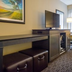 Отель Hampton Inn Meridian сейф в номере