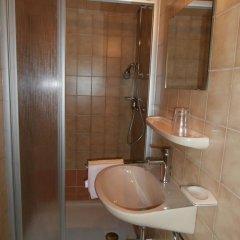 Отель Haus Barbara Австрия, Зёлль - отзывы, цены и фото номеров - забронировать отель Haus Barbara онлайн ванная фото 2