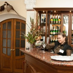 Гостиница Zolotoy Fazan Николаев гостиничный бар