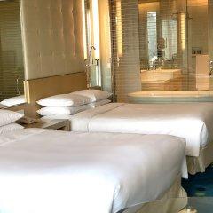 Renaissance Shanghai Yu Garden Hotel комната для гостей фото 4