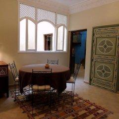 Отель AppartHotel Khris Palace Марокко, Уарзазат - отзывы, цены и фото номеров - забронировать отель AppartHotel Khris Palace онлайн комната для гостей фото 2