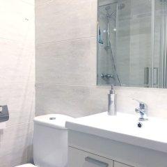 Отель Apartamentos Fomento 25 Испания, Мадрид - отзывы, цены и фото номеров - забронировать отель Apartamentos Fomento 25 онлайн ванная фото 2
