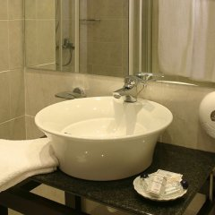 Отель Alassia Hotel Греция, Афины - 1 отзыв об отеле, цены и фото номеров - забронировать отель Alassia Hotel онлайн ванная фото 2