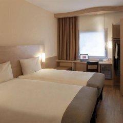 Отель Ibis Izmir Alsancak комната для гостей фото 5