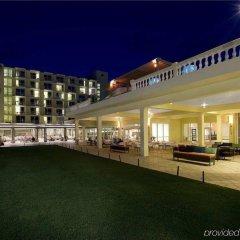 Отель Hilton Rose Hall Resort and Spa Ямайка, Монтего-Бей - отзывы, цены и фото номеров - забронировать отель Hilton Rose Hall Resort and Spa онлайн вид на фасад