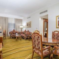 Отель Holiday Inn Bur Dubai - Embassy District комната для гостей фото 3