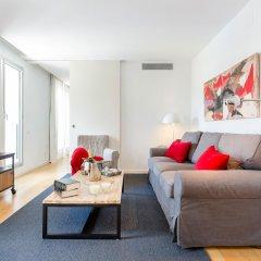 Отель 1 BR Rambla Suite & 2 Pools Rooftop Terrace Sea View - HOA 42152 Испания, Барселона - отзывы, цены и фото номеров - забронировать отель 1 BR Rambla Suite & 2 Pools Rooftop Terrace Sea View - HOA 42152 онлайн комната для гостей фото 2